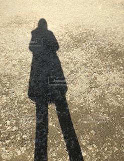 影 足長効果の写真・画像素材[2620538]