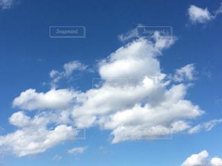 空の雲の群の写真・画像素材[2692335]