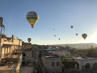 トルコ カッパドキアの気球の写真・画像素材[2593178]