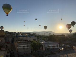 トルコ カッパドキアの気球の写真・画像素材[2593180]