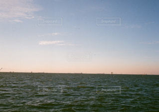 夕焼けの海の写真・画像素材[2600738]