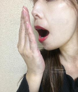 歯を磨く女性の写真・画像素材[3071581]