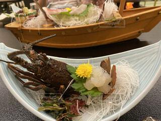 皿の上に食べ物のボウルの写真・画像素材[3689473]
