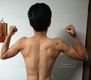 背筋の写真・画像素材[2712768]