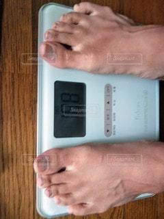 体重計を使う人の写真・画像素材[2910796]