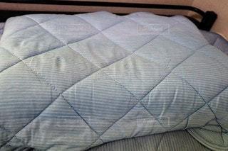 ひんやり素材の枕カバーの写真・画像素材[3557055]