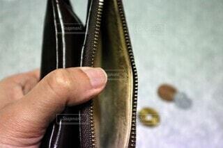 給料日前の財布の中身の写真・画像素材[3818217]