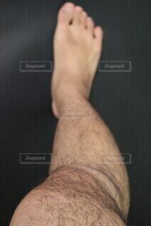 男性の右足の写真・画像素材[4067299]