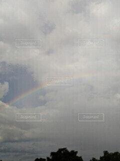 雨上がりの虹の写真・画像素材[4643871]