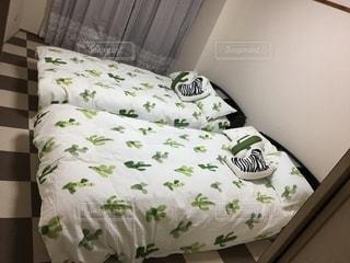 寝室に作られたベッドの写真・画像素材[2721682]