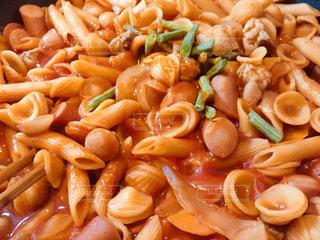 二種類のショートパスタでトマトソース煮の写真・画像素材[1232440]