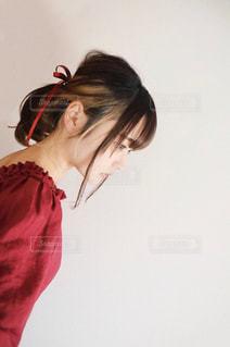 カメラを見ている女性の写真・画像素材[3288789]