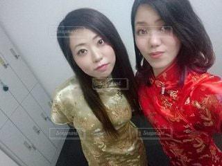 チャイナ服の女性2人の写真・画像素材[2661889]