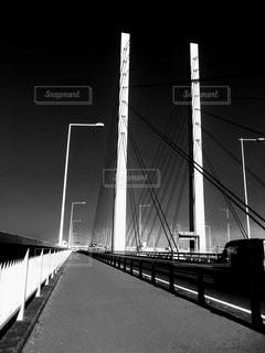 橋の黒と白の写真の写真・画像素材[875573]