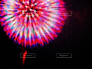 空の花火の写真・画像素材[2404927]