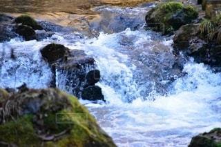 川の水しぶきの写真・画像素材[2616366]