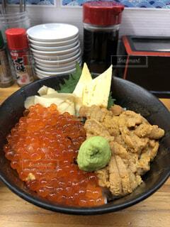 ウニイクラ丼の写真・画像素材[4189705]