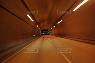 トンネル出口の写真・画像素材[2647981]