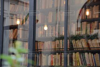 パリのブックカフェの写真・画像素材[124495]
