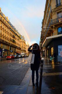 パリにかかる虹の橋の写真・画像素材[413019]