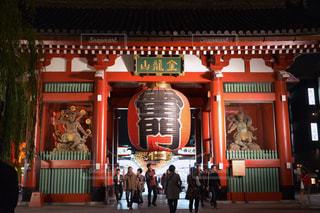 夜の浅草寺の写真・画像素材[1575534]