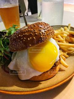 ハンバーガーの写真・画像素材[2636122]