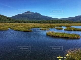 燧ヶ岳と浮島の写真・画像素材[2668260]