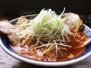 ネギたっぷり勝浦タンタン麺の写真・画像素材[2673108]