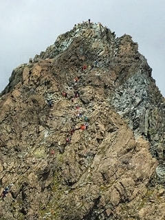 槍ヶ岳の穂先の写真・画像素材[2682573]