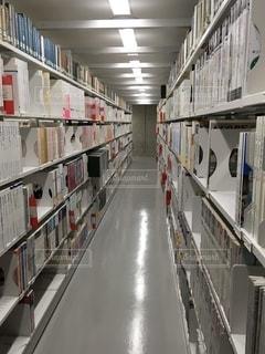図書館の地下書庫の写真・画像素材[2735935]