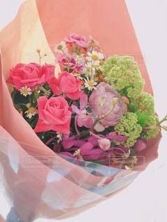 ピンクの花で満たされた花束の写真・画像素材[3494017]