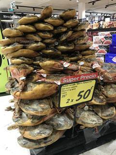スペインのスーパーマーケット、生ハム売り場の写真・画像素材[917261]