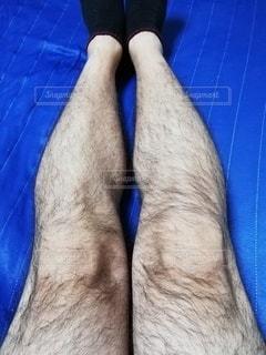 毛深い脚の写真・画像素材[2707511]