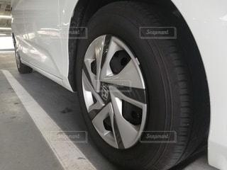 車の横から見た画像の写真・画像素材[2756561]