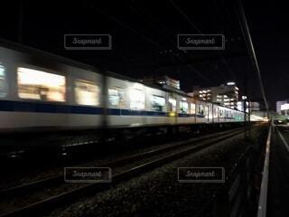 走る電車の写真・画像素材[4327389]