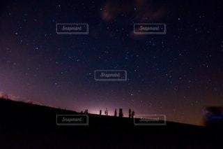 星空 マイルドセブンの丘からの星空の写真・画像素材[2642301]