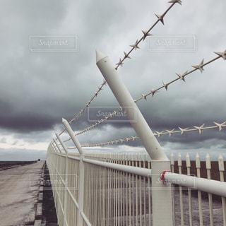 フェンスのクローズアップの写真・画像素材[2742066]