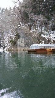 水域の小さなボートの写真・画像素材[2684431]