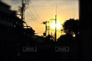 夕暮れ時の都市の眺めの写真・画像素材[2721915]