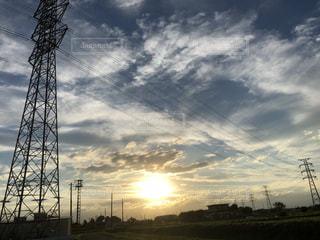 鉄塔と秋空の写真・画像素材[2671505]