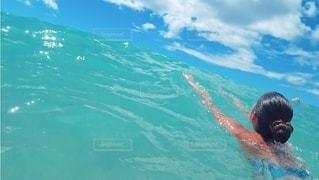 ずっと海に居たい🌊の写真・画像素材[2664110]
