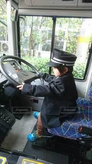 小さな運転手さんの写真・画像素材[2678855]