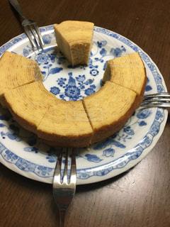 皿の上のケーキの写真・画像素材[3062592]