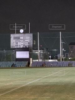 夜のラグビー場の写真・画像素材[2660196]