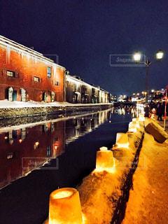 小樽雪あかりの路期間中の小樽運河と赤レンガ倉庫の写真・画像素材[2839134]