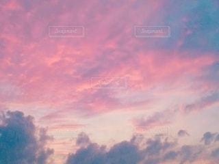 ピンク空の写真・画像素材[2669171]