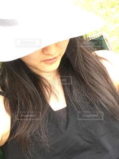 帽子をかぶった女性の写真・画像素材[2789666]
