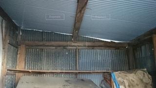 納屋の屋根の写真・画像素材[3947159]