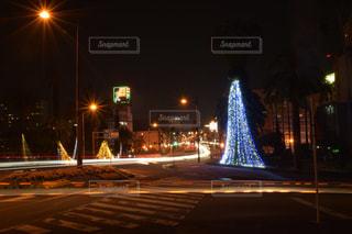 宮崎市役所前交差点の光跡写真2の写真・画像素材[2922529]