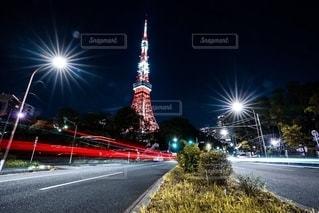 東京タワーとレーザービームの写真・画像素材[2676662]